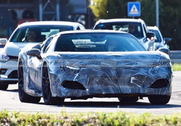 疑似法拉利全新跑车谍照 或为F8继任者/搭载V6混动系统